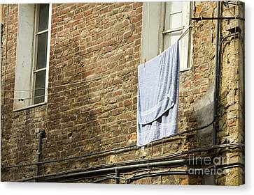 Laundry Hanging From Line, Tuscany, Italy Canvas Print by Paul Edmondson