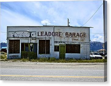 Leadore Garage Canvas Print