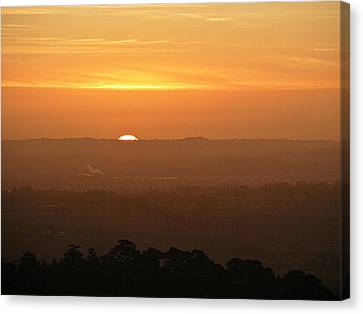 Leicestershire Sunrise Canvas Print by Linsey Williams