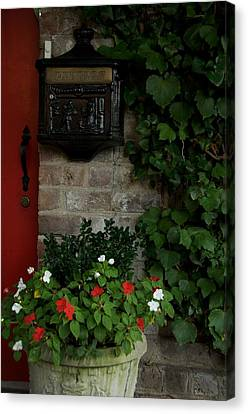 Letters From Savannah Canvas Print by Leslie Lovell