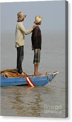 Life On Lake Tonle Sap 4 Canvas Print by Bob Christopher