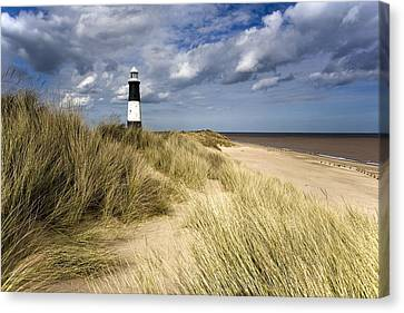 Lighthouse On Beach, Humberside, England Canvas Print by John Short