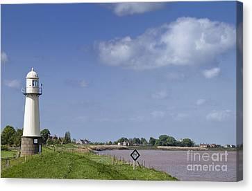 Lighthouse, Whitgift, England, Uk. Canvas Print by Jon Boyes