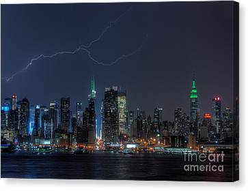 Lightning Over New York City Ix Canvas Print by Clarence Holmes