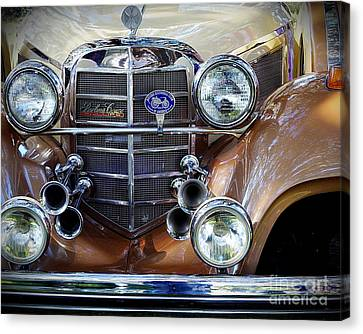 Lights And Sound... Canvas Print by Richard Burr
