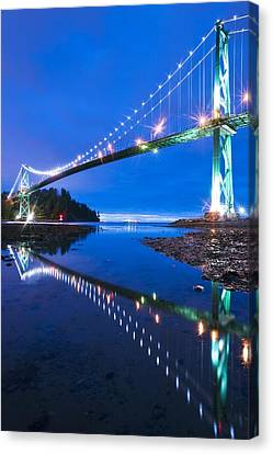 Lions Gate Bridge, Vancouver, Canada Canvas Print by David Nunuk