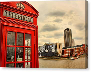London Calling Canvas Print by Jasna Buncic