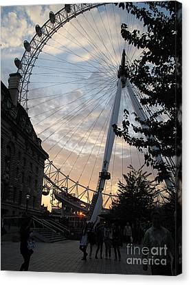 London Eye Canvas Print by Louise Peardon