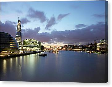 London Skyline At Sunset Canvas Print by Richard Newstead