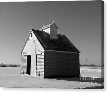Illinois Barns Canvas Print - Lone Barn by David Bearden