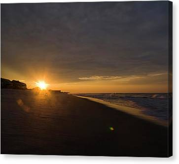 Low Ceiling - Holden Beach Canvas Print by Alan Raasch