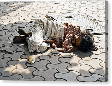 Lunch On Bombay Streets Canvas Print by Kantilal Patel