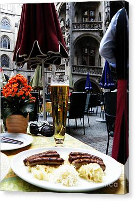 Lunch Time In Munich Germany Canvas Print by Tanya  Searcy