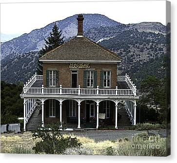 Mackay Mansion Canvas Print