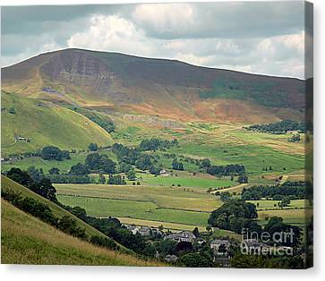 Mam Tor - Derbyshire Canvas Print by Graham Taylor