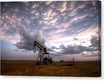Mammatus Oil Canvas Print by Thomas Zimmerman