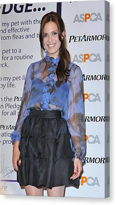 Mandy Moore In Attendance For Aspca Canvas Print by Everett