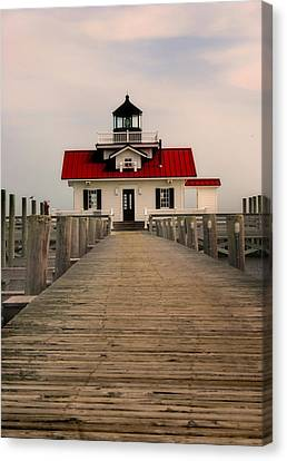 Canvas Print featuring the photograph Manteo Lighthouse by Cindy Haggerty