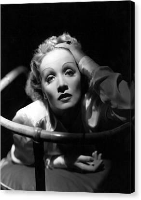 Marlene Dietrich, 1930s Canvas Print by Everett