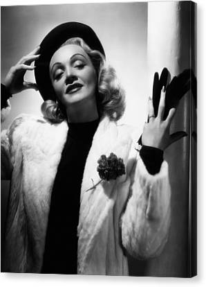 Marlene Dietrich, Ca. Early 1940s Canvas Print by Everett