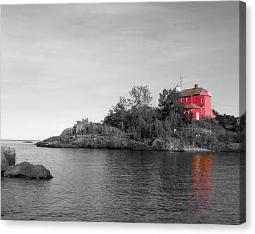 Canvas Print featuring the photograph Marquette Harbor Lighthouse Selective Color by Mark J Seefeldt