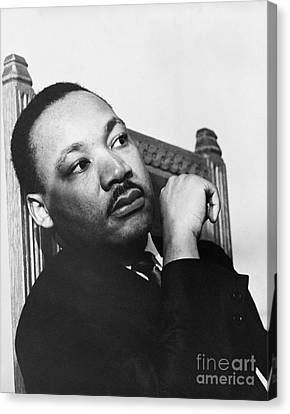 Martin Luther King, Jr Canvas Print by Photo Researchers