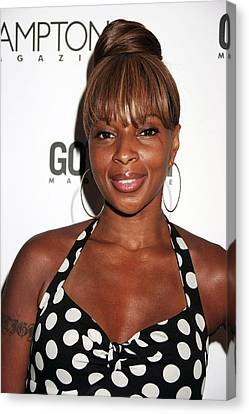 Mary J. Blige At Arrivals For Candids - Canvas Print by Everett