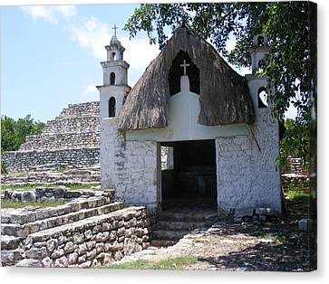 Canvas Print featuring the photograph Mayan Chapel by Diane Ferguson
