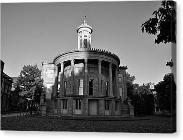 Merchant Exchange Building - Philadelphia In Black And White Canvas Print by Bill Cannon