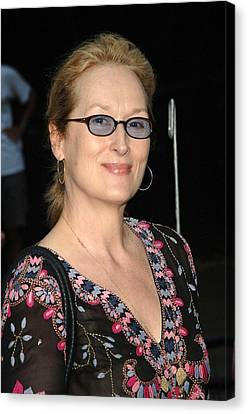 Meryl Streep At Arrivals For The 2006 Canvas Print by Everett