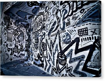 Miami Wynwood Graffiti 2 Canvas Print by Andres Leon