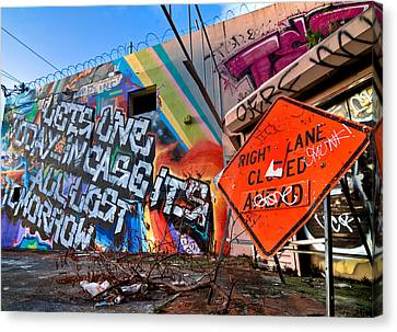 Miami Wynwood Graffiti  Canvas Print by Andres Leon