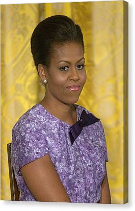 Michelle Obama Wearing An Anne Klein Canvas Print by Everett