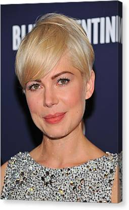 Michelle Williams At Arrivals For Blue Canvas Print by Everett