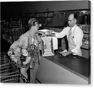 Mickey Rooney Paying For His Groceries Canvas Print by Everett