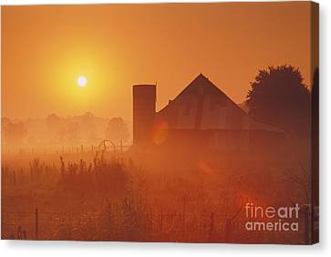 Midwestern Rural Sunrise - Fs000405 Canvas Print by Daniel Dempster