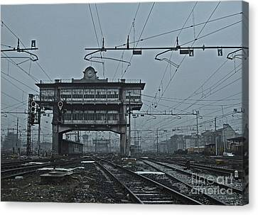 Canvas Print featuring the photograph Milan Central Station Italy In The Fog by Andy Prendy