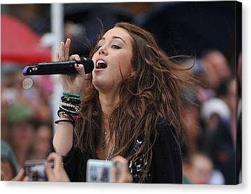 Miley Cyrus On Stage For Nbc Today Show Canvas Print by Everett
