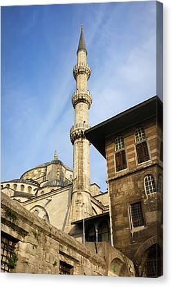 Minaret Of The Blue Mosque Canvas Print by Artur Bogacki
