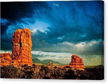 Moab Utah  Canvas Print by Mickey Clausen