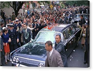 Motorcade Of President Lyndon Johnson Canvas Print by Everett
