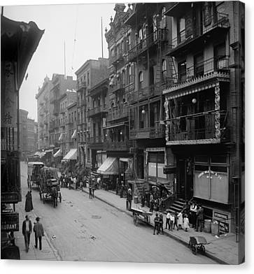 Mott Street In New York Citys Chinatown Canvas Print by Everett