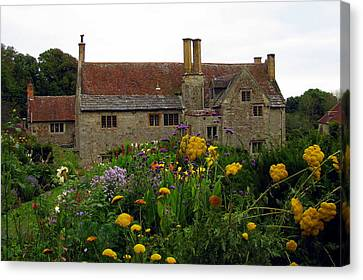 Canvas Print featuring the photograph Mottiston Manor by Carla Parris