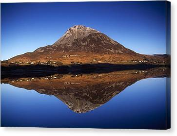 Mount Errigal, Lough Nacung, Dunlewy Canvas Print by Gareth McCormack