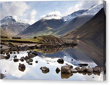 Mountains And Lake At Lake District Canvas Print
