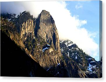 Mountains Of Yosemite . 7d6167 Canvas Print by Wingsdomain Art and Photography