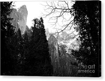 Mountains Of Yosemite . 7d6213 . Black And White Canvas Print by Wingsdomain Art and Photography