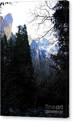 Mountains Of Yosemite . 7d6214 Canvas Print by Wingsdomain Art and Photography