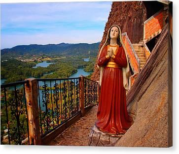 Mujer De La Piedra Canvas Print by Skip Hunt