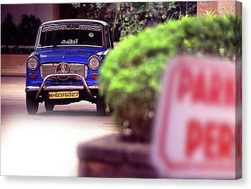 Mumbai Taxi Canvas Print